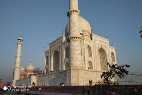 Hyderabad to Agra Day Tour Packages New Delhi